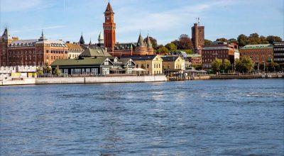 Vy över inre hamnen och centrum med Rådhuset, The Tivoli och Tullhuset.